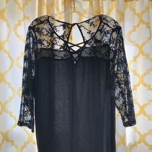 Navy blue pullover blouse, like new